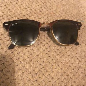 RAYBAN CLUBMASTER SMALL FRAME